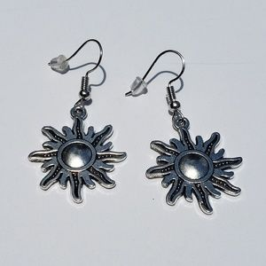 Jewelry - Silver Antiqued Sun Drop Earrings